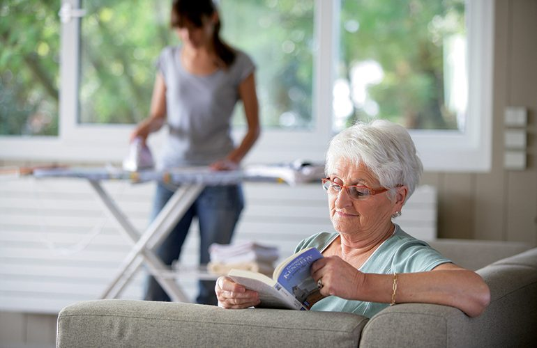 Senior : l'aide à domicile pour faciliter la vie