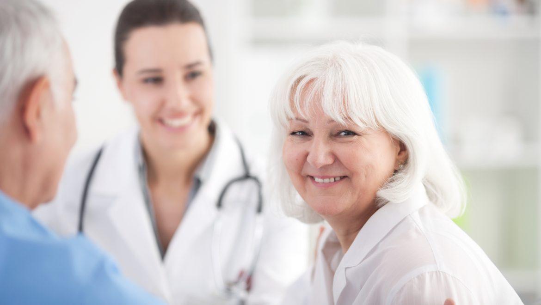Personnes âgées : l'importance de faire régulièrement des bilans de santé
